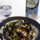 Creamy thai spiced mussels